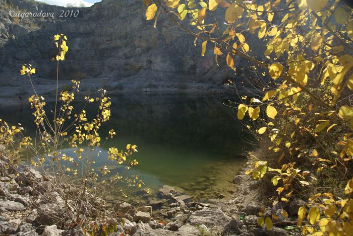 озеро в Каменномостской в карьере