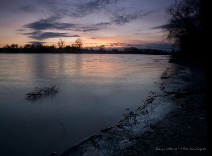Река Кубань весной