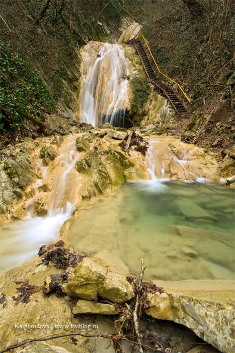 Мамедова щель - водопад